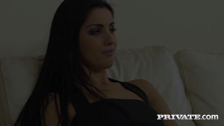 Horny Brunette Addicted to Rimming Enjoys Anal Threesome