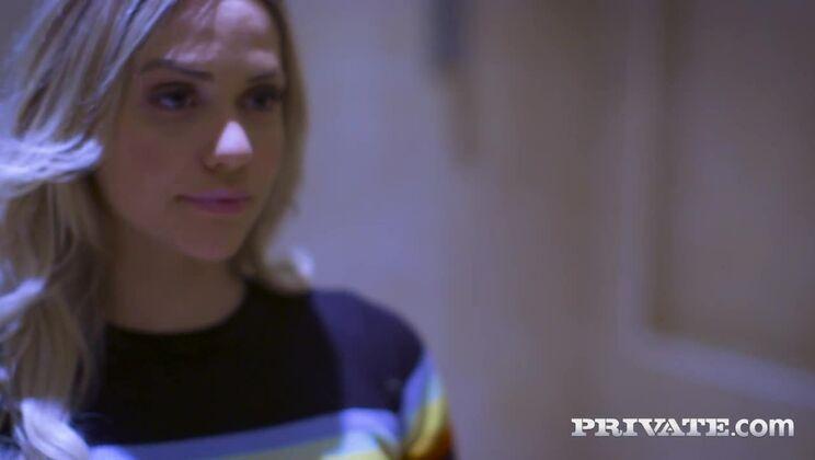 Mia Malkova, horny in the laundrette