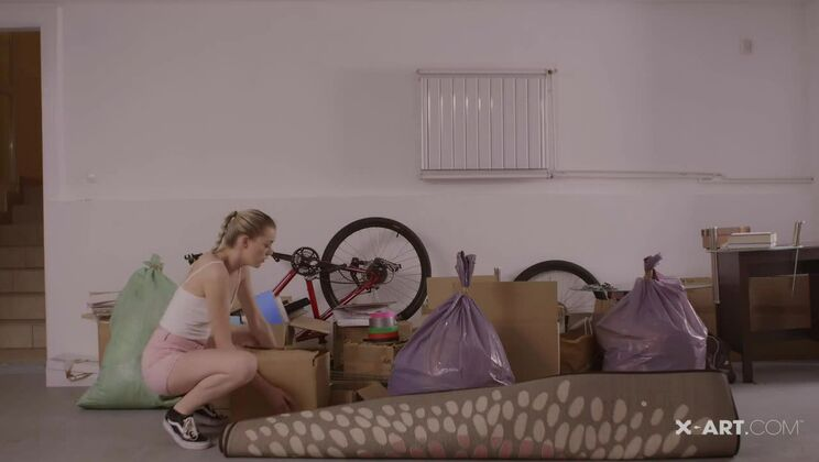 Anny Aurora Real Life Moving Day Sex