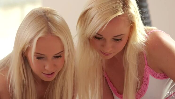 Two Hot Blondes - S9:E11